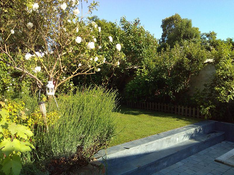 terrasse pierre bleue v tiver jardin. Black Bedroom Furniture Sets. Home Design Ideas